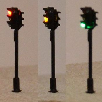 Pair of N Scale Traffic Lights